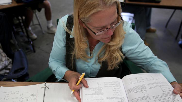 Vicky Davis studies